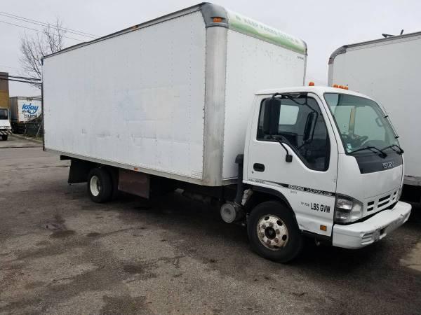 2006 Isuzu NPR-HD 20′ Box Diesel
